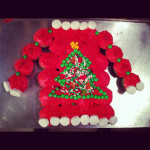 Make an Ugly Christmas Sweater Cake from Cupcakes!