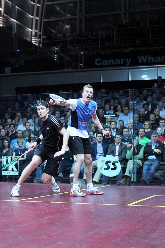 English rivals Nick Matthew and James Willstrop are set to clash in the semi-finals of the US Open