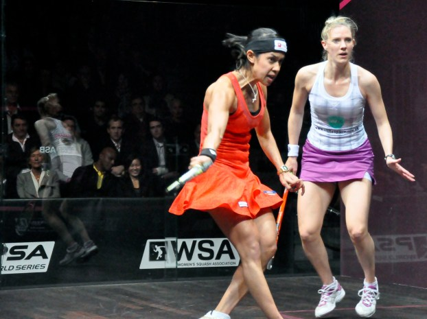 Nicol David is seeded to face Laura Massaro in the final of the Hong Kong Open.