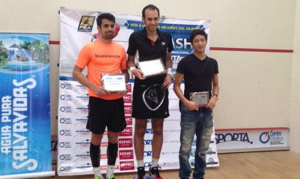 Champion Marwan Elshorbagy and runner-up Shanw Delierre (left) with Alfredo Avila