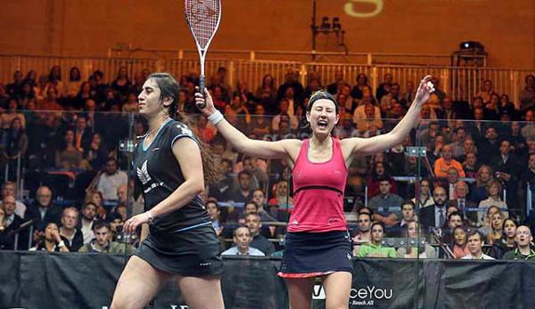 Alison Waters celebrates victory over Nour El Sherbini