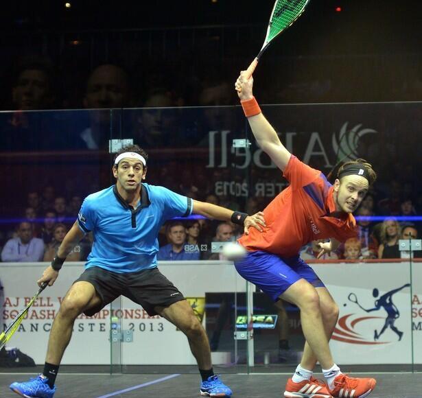 James Willstrop (right) in action against Mohamed Elshorbagy