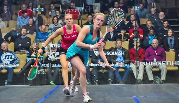 Emma Beddoesw gets in front of Laura Massaro