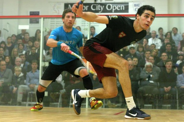 Ali Farag on the attack against Mathieu Castagnet