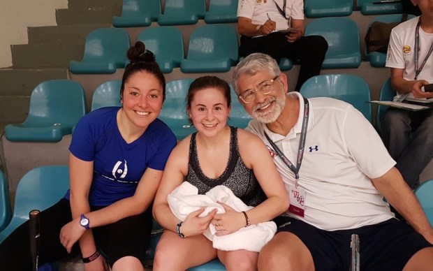 Olivia Blatchford (centre) with Amanda Sobhy and coach Paul Assaiante