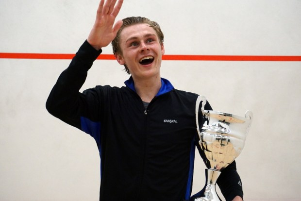 Smiling Select Gaming Kent Open champion Tom Ford
