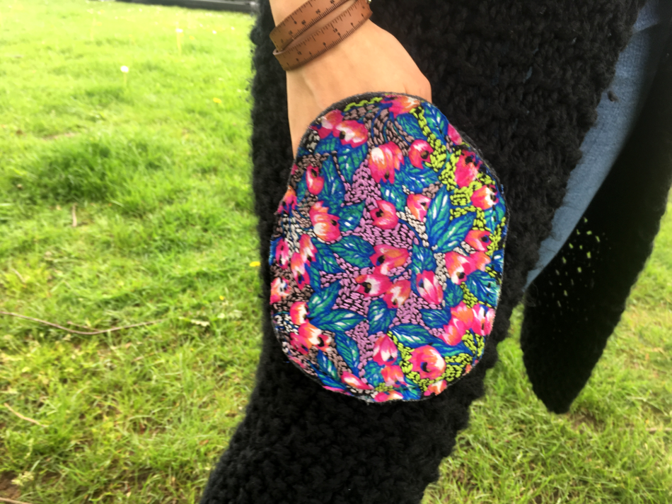 handmade_embroidered_upcycled_pockets