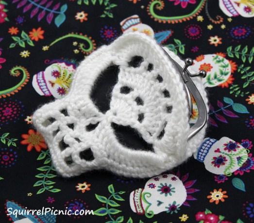 Sugar Candy Skull Crochet Pattern | Squirrel Picnic