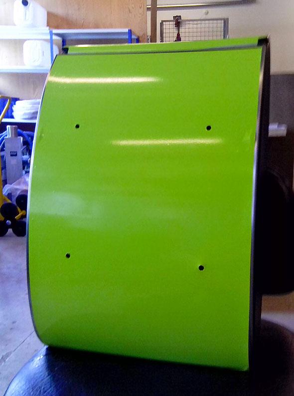 Sølvfarvet poskasse bliver grøn 01