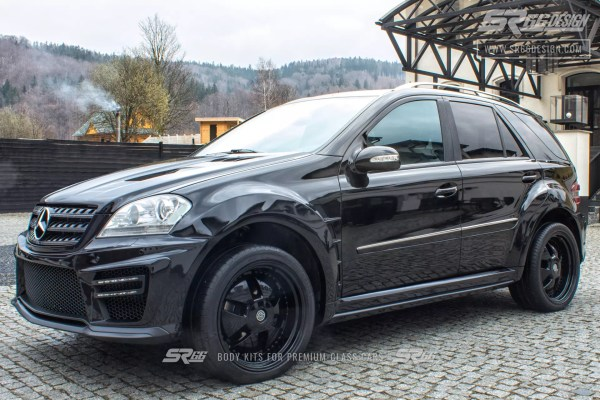 Mercedes-Benz ML W164 SR66 wide body kit