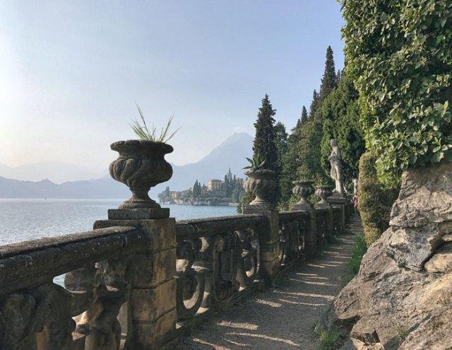 Villa Monastero è una magnifica abitazione nobiliare con giardino visitabile e affacciata sul Lago di Como