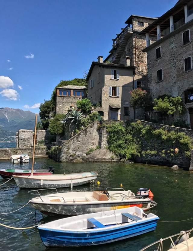 Una delle chicche del Lago di Como è il piccolo borgo di Corenno Plinio