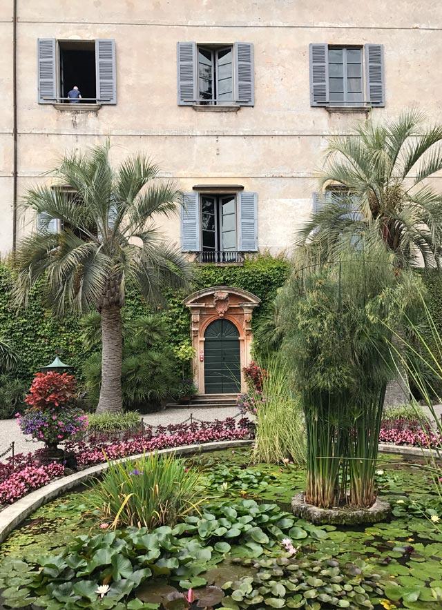 Visitare le Isole Borromee: tre pezzi di terra nel Lago Maggiore pieni di bellezza e natura lussureggiante (e sorprendente)