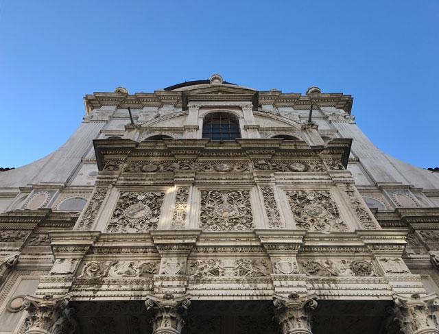 Brescia è una città ricca di bellissime chiese da visitare, di tutti gli stili