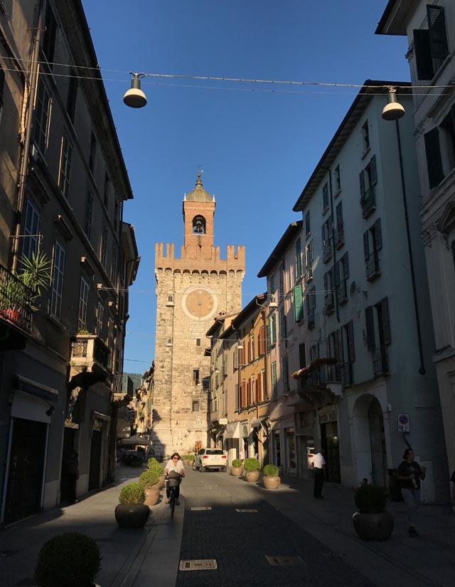 Brescia è una città che può regalare viste bellissime, sia tra le sue piazze che tra le sue vie. Una splendida città da visitare