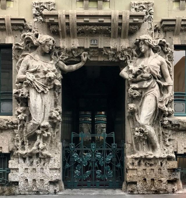 Vuoi un itinerario da seguire e fotografare a Milano? scegli quello liberty con grandissimi capolavori!