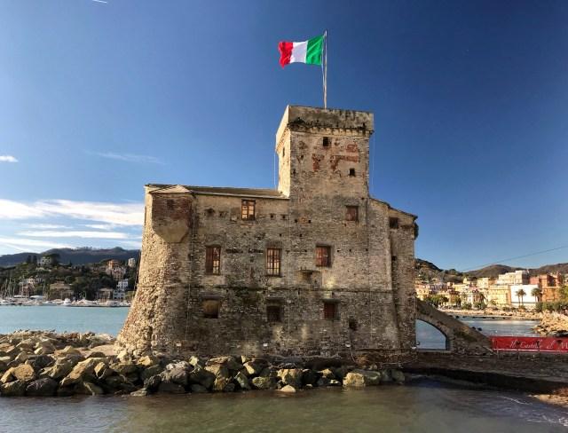 Rapallo è uno dei posti da non perdere visitando Portofino e dintorni in Liguria