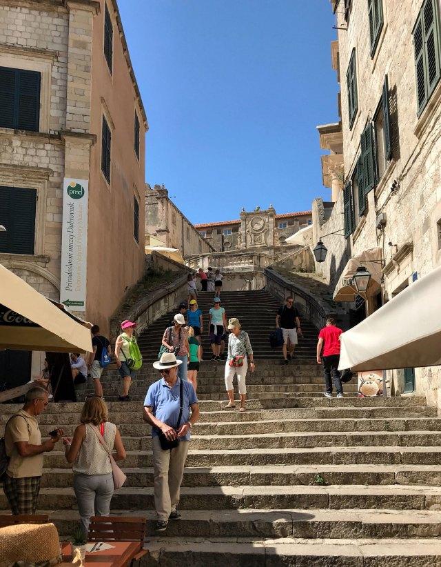 Sai che per visitare Dubrovnik puoi imbatterti nella scalinata di Trinità dei Monti?