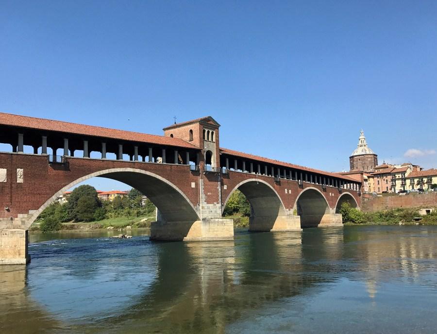 Il Ponte Coperto di Pavia è il simbolo della città e una delle cose da vedere a Pavia in un giorno