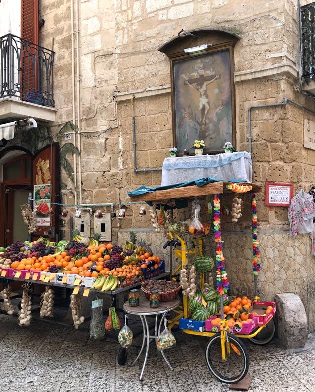 Visitare Bari Vecchia significa scoprire le sue vie pittoresche