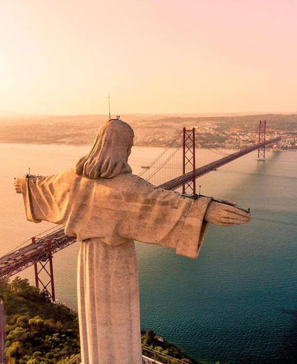 Cosa visitare a Lisbona? Il Cristo Re, così sembra di essere a Rio de Janeiro