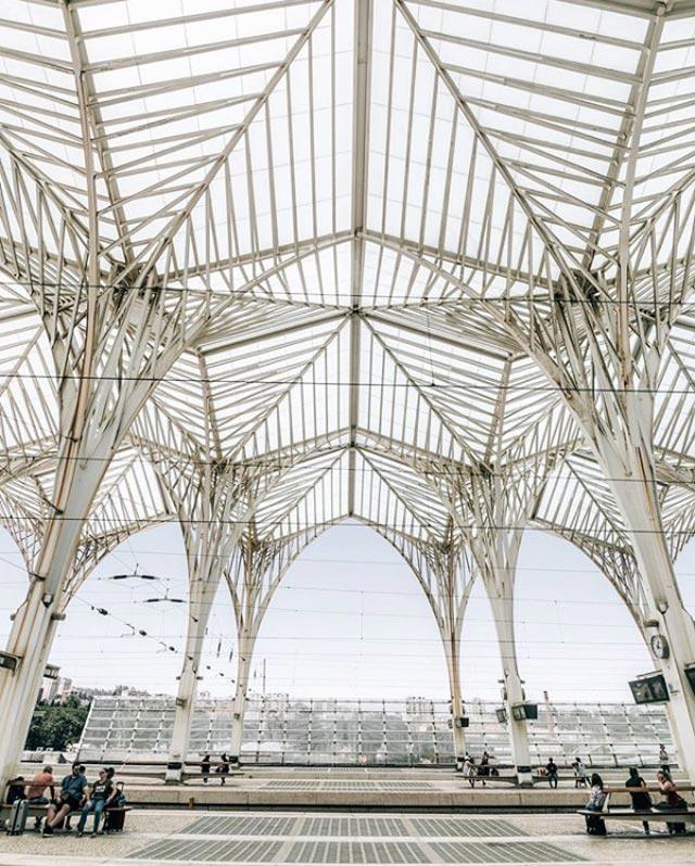 L'Estação do Oriente di Santiago Calatrava a Lisbona è una delle stazioni più belle d'Europa