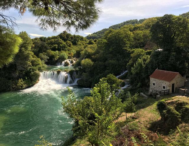 Il parco nazionale Krka vicino a Sebenico è una delle bellezze della Croazia