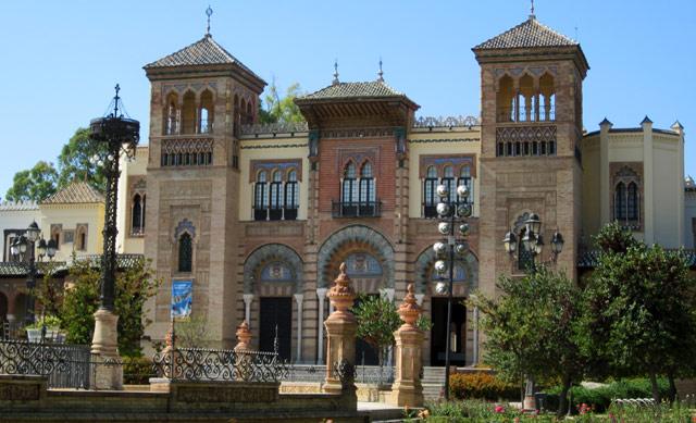 A Siviglia dopo aver visitato Plaza de Espana bisogna girare nel Parque Maria Luisa