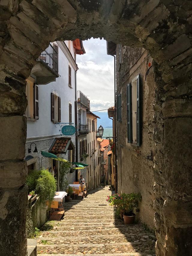 Il borgo di Rezzonico è uno dei posti più belli del Lago di Como
