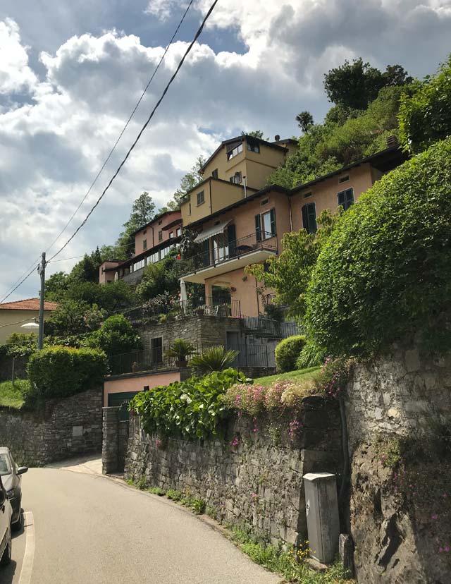 Pochi chilometri a nord di Menaggio si trova Rezzonico, una gemma del Lago di Como