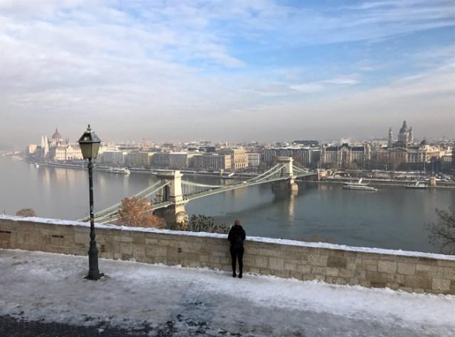 Il più bel panorama di Budapest si ammira dai bastioni del Palazzo Reale