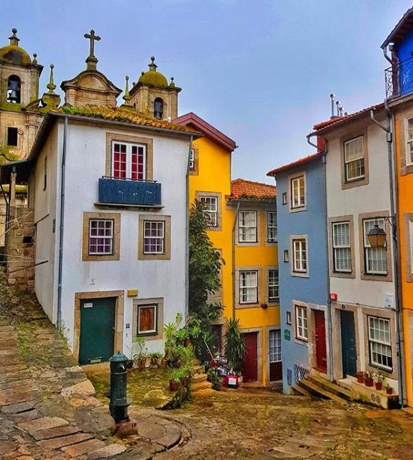 Il Largo da Pena Ventosa è una delle piazze più belle e nascoste di Porto in Portogallo