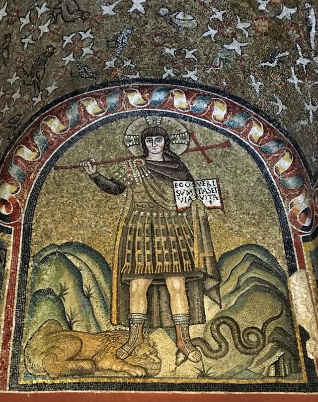 La Cappella Arcivescovile di Ravenna ha un bellissimo mosaico di Cristo guerriero