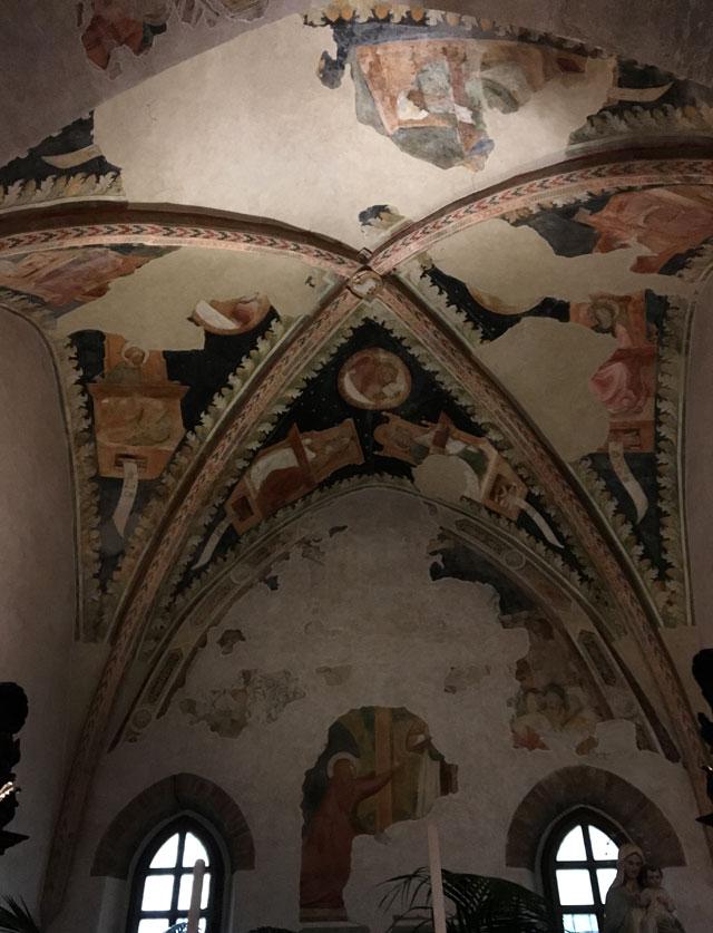 La Chiesa di San Giovanni Evangelista a Ravenna ha tracce di mosaici e affreschi medievali