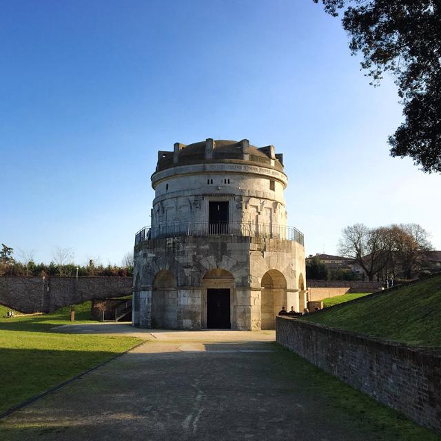 Il Mausoleo di Teodorico in pietra bianca è la sorprendente tomba del re goto