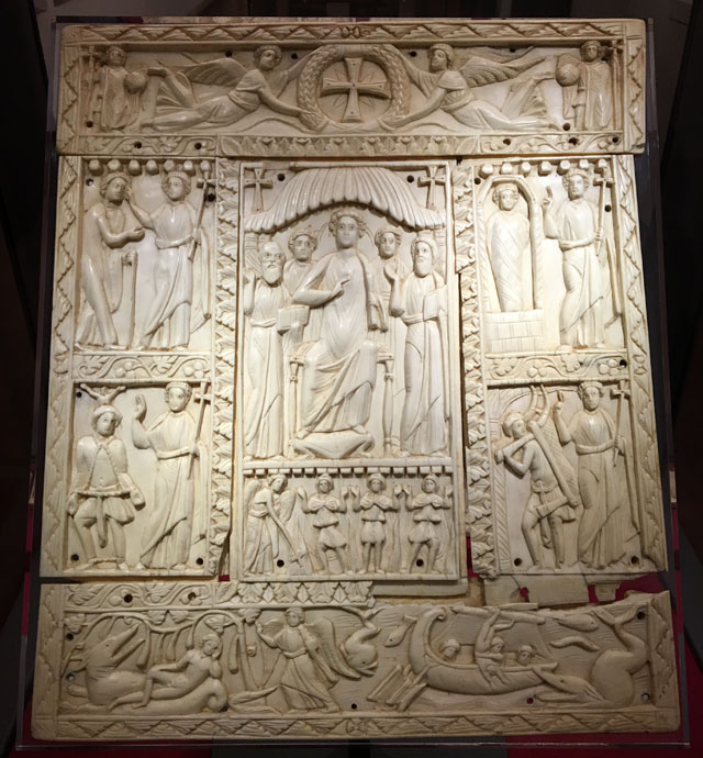 Il Museo Nazionale di Ravenna ha un'importante collezione di manufatti d'avorio