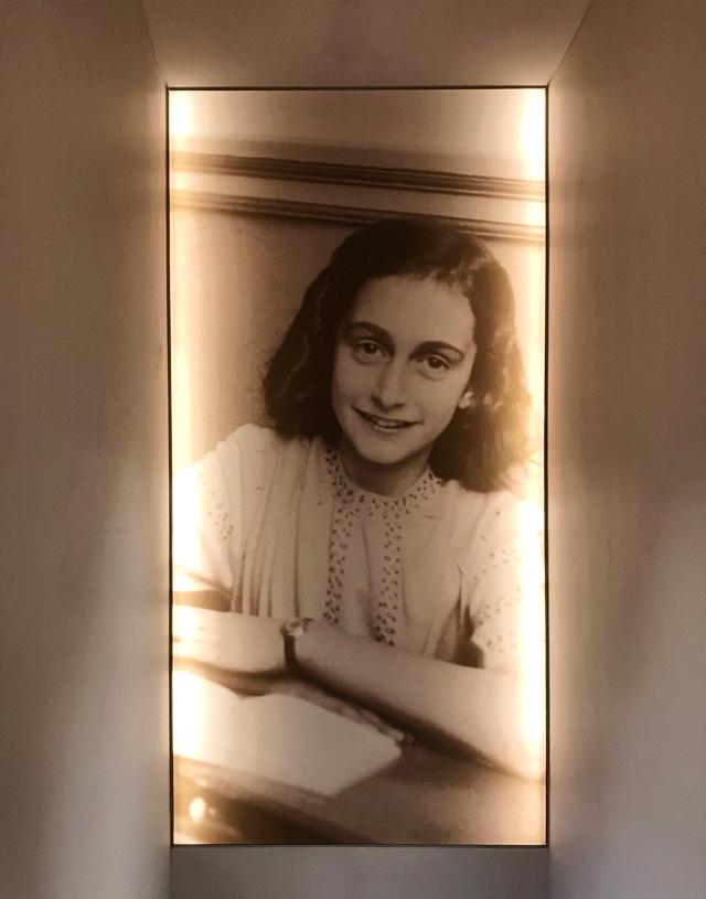La Casa di Anna Frank è il luogo più emozionante di Amsterdam per riflettere sull'Olocausto