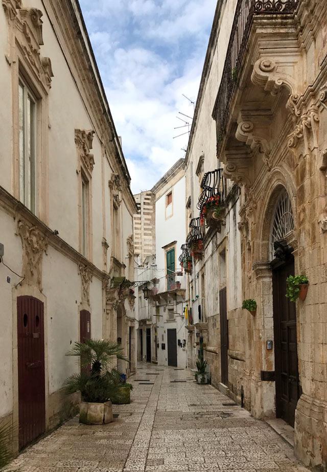 Il centro storico di Martina Franca è un fantastico labirinto barocco da visitare in Puglia