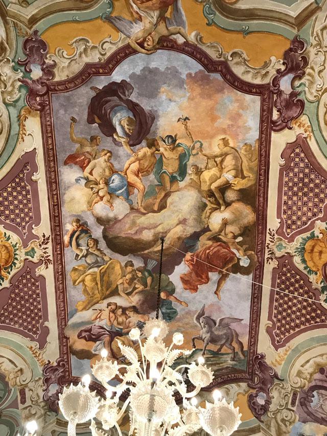 A Martina Franca è da vedere il Palazzo Ducale con gli affreschi di Domenico Carella