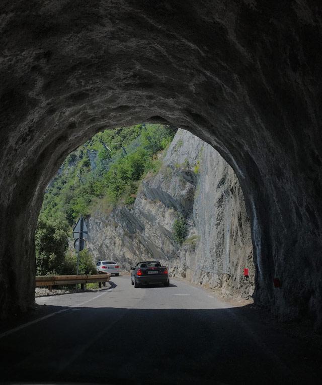 La Strada della Forra collega il borgo di Tremosine col Lago di Garda