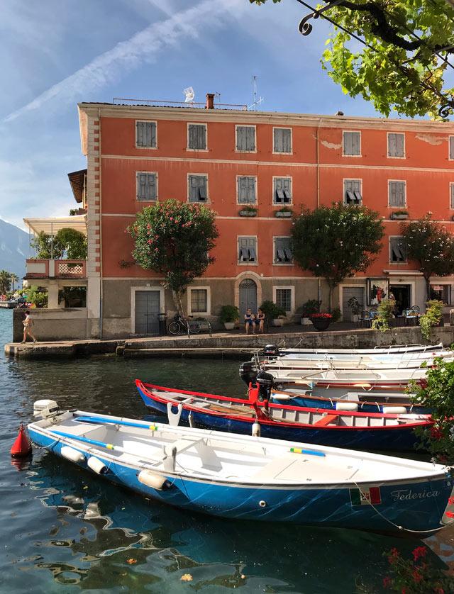 Il Porto vecchio è il cuore di Limone sul Garda: da vedere sul Lago di Garda