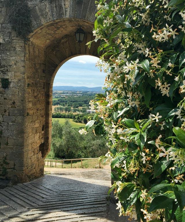 Monteriggioni è un borgo bellissimo da vedere vicino a Siena