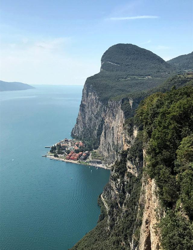 La Terrazza del Brivido di Tremosine è il punto panoramico più bello del Lago di Garda