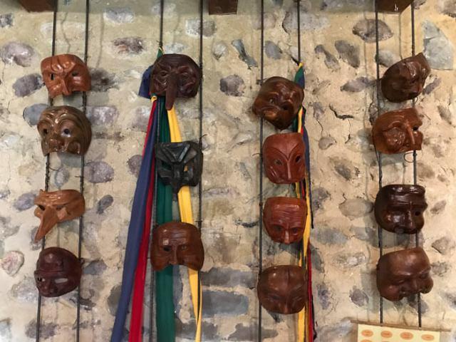 Scopri la maschera di Arlecchino nella Casa Museo di Arlecchino a Oneta