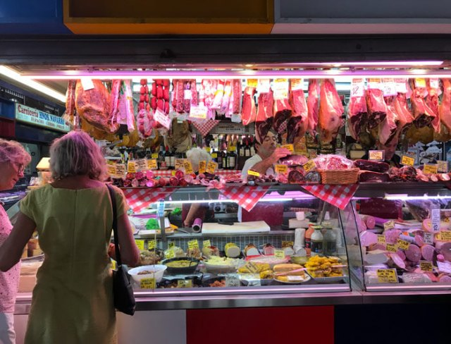 Il Mercato di Atarazanas è l'ideale per mangiare pesce a Malaga
