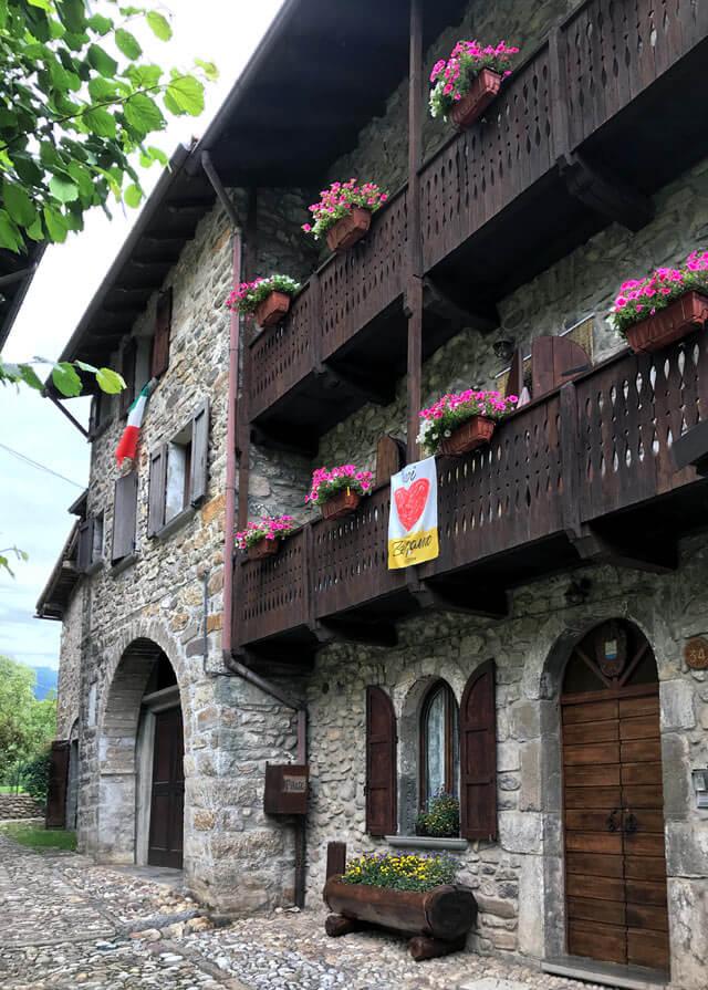 Oneta è un piccolo borgo da vedere nella provincia di Bergamo