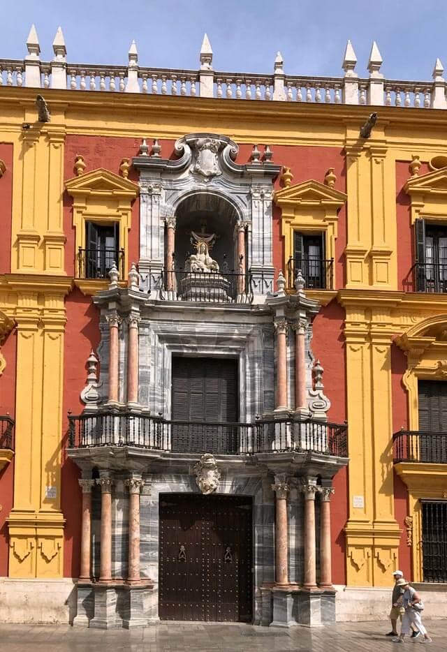 Il Palazzo Episcopale di Malaga è un fantastico esempio di stile barocco