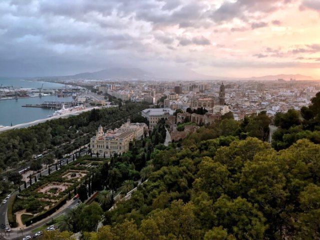 Cosa vedere a Malaga? Il tramonto panoramico dal Mirador de Gibralfaro