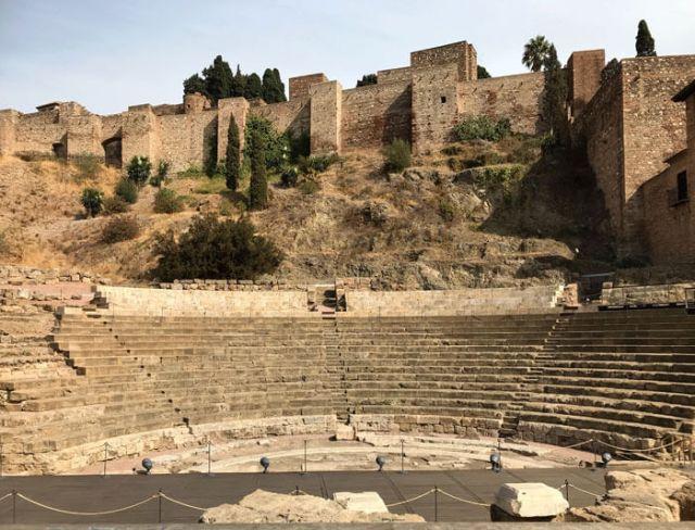Cosa vedere a Malaga? Il Teatro Romano sotto le mura dell'Alcazaba
