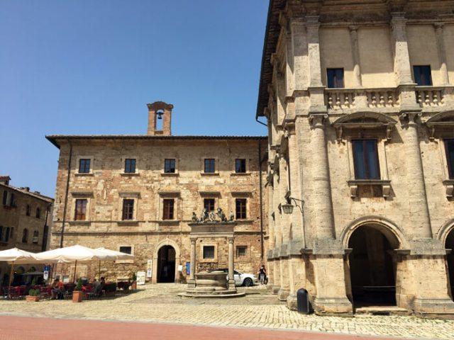 Piazza Grande è il cuore di Montepulciano, capolavoro rinascimentale della Toscana